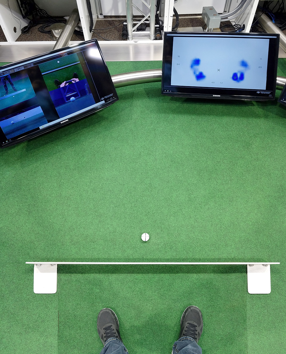 Cyth Seamlessly Synchronizes 10 High Speed Cameras to Improve Golfer Performance