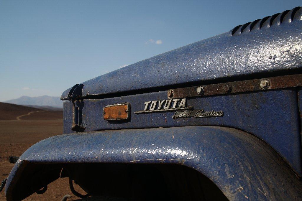 Antique Land Cruiser - Namib Desert