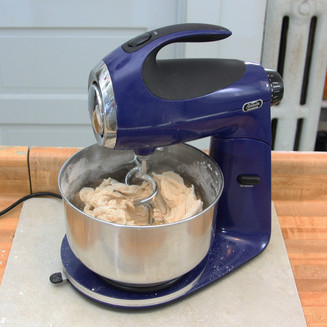 Enjoy Delicious Bread and Cakes with All The Aid of a Good Quality Mixer and Bread Making Machine