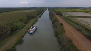 Aout 2019 - Petite camargue canal du Rhône à Sete embranchement de St Gilles