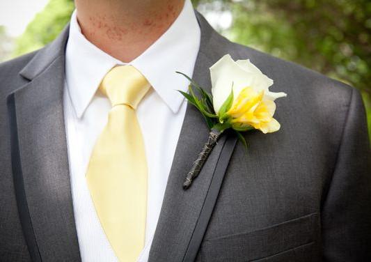 White Rose & Yellow Freesia Bout