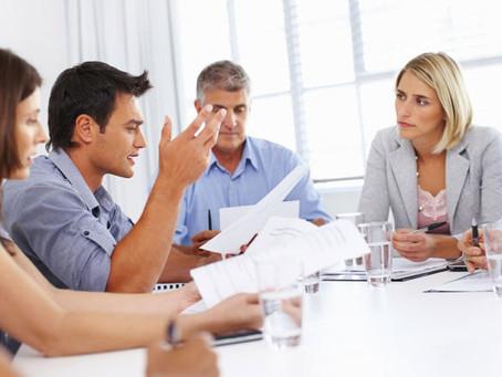 Hoeveel dagen per jaar verspillen we aan meetings?