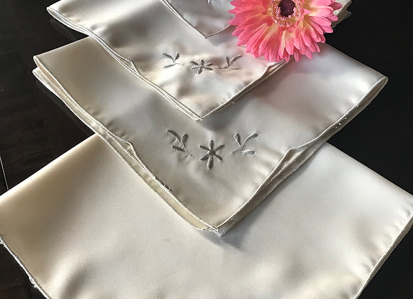 Set of 4 Embroidered Grey Orchid Cream Napkins