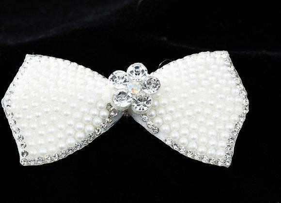 Hair pin - Bow shaped -pearl