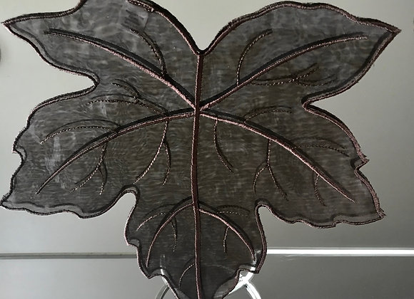 "10"" Leaf Design - Chocolate Doily"