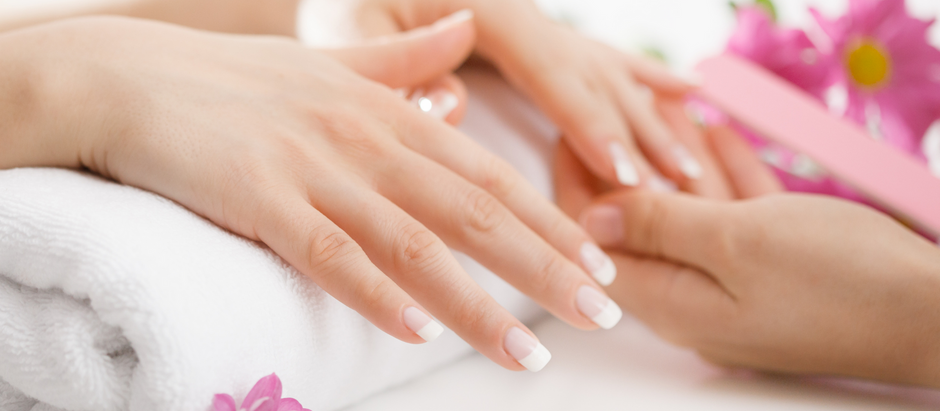 MOST COMMON PROBLEMS WITH NAIL ENHACEMENTS. WHAT SOUCES PRODUCT LIFTING FROM THE NATURAL NAIL
