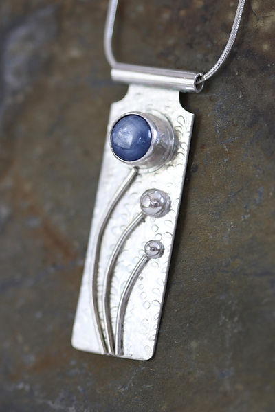 cornflower_silver_kyanite_pendant_2.JPG