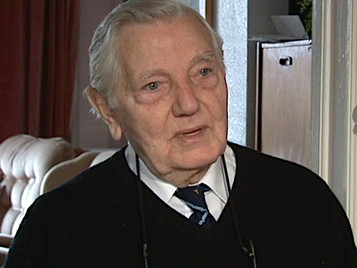 Bob Frost, founder member of the RAF Escaping Society, has died