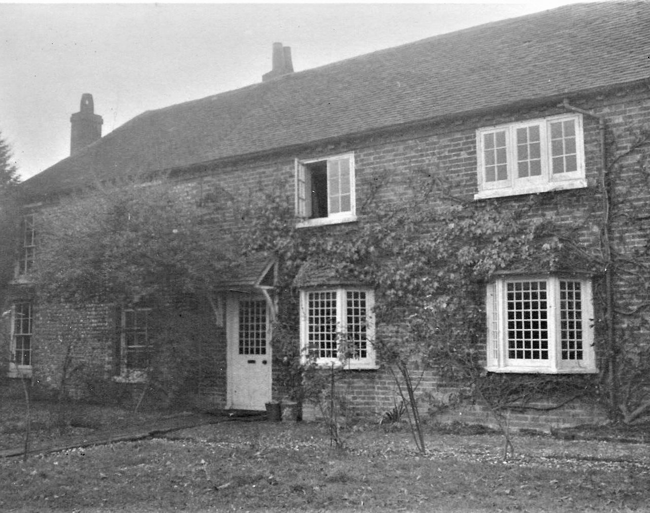 Tangmere-cottage4