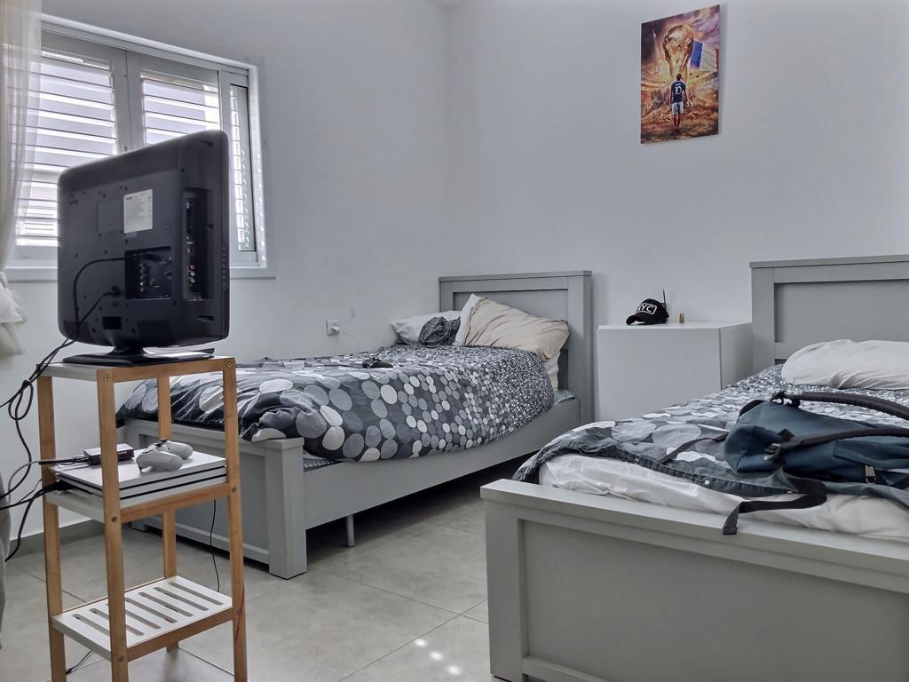 דירה להשכרה ברעננה, חדר ילדים גדול