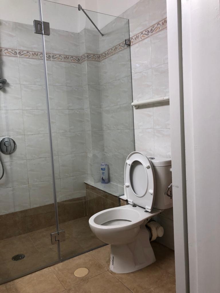 להשכרה דירות ברעננה מקלחת