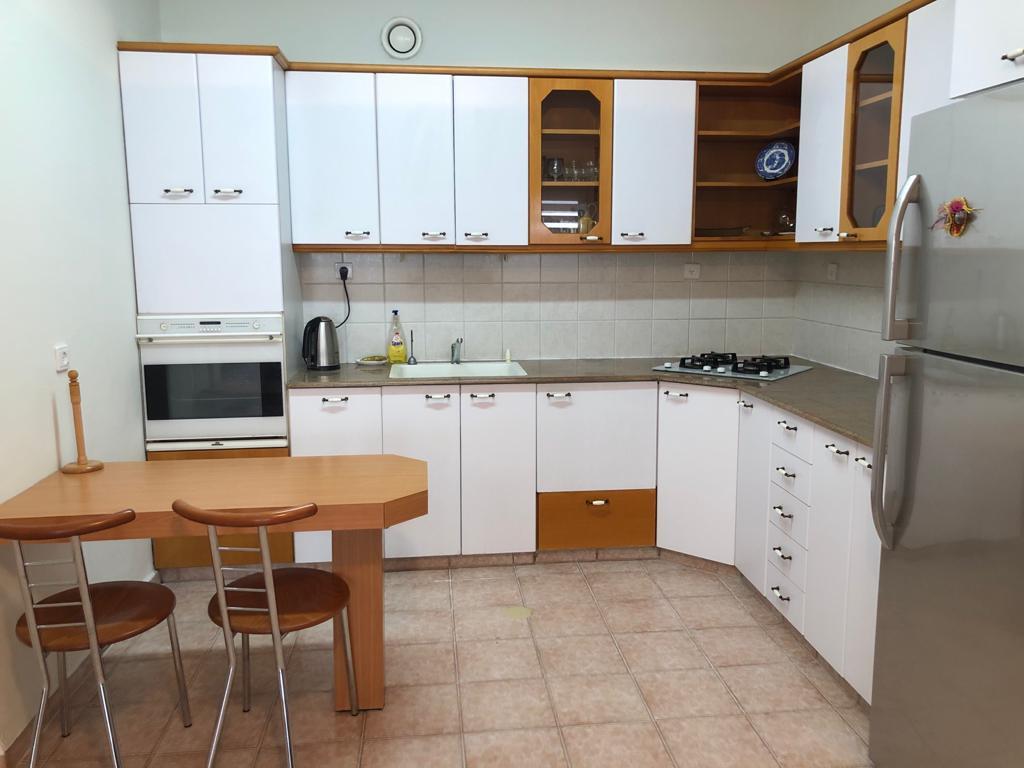 להשכרה דירה ברעננה מטבח