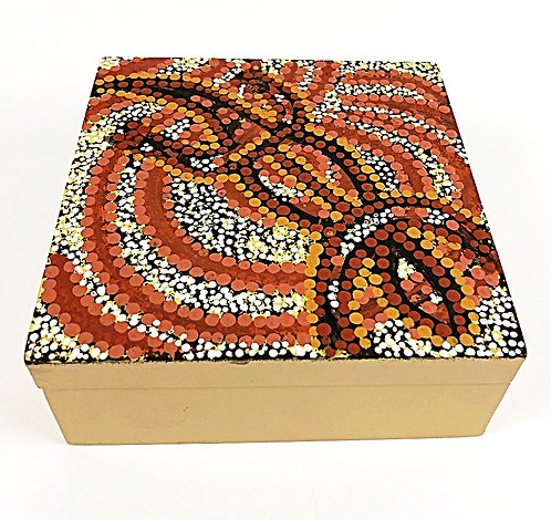 Wooden Trinket Box With Lizard
