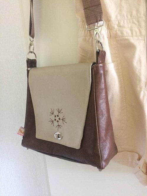 handmade Leder Umhänge tasche Handtasche creme braun Püppi Style