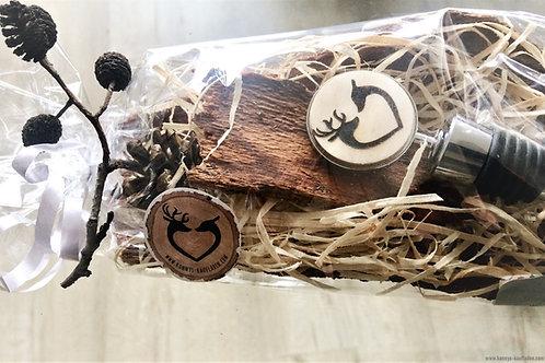 Handmade Flaschen Verschluss  WILDPAAR Herz Gravur  auf RINDE 10,5 cm