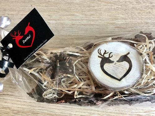 2 Handmade Magnet WILDPAAR Herz Form auf Baumrinde 4,5 -5 cm auf RINDE