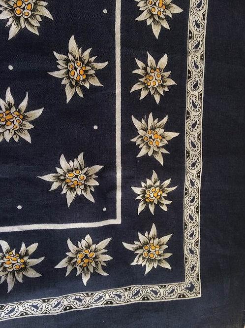 Halstuch EDELWEISS  50x54 cm 100% Cotton WIE NEU