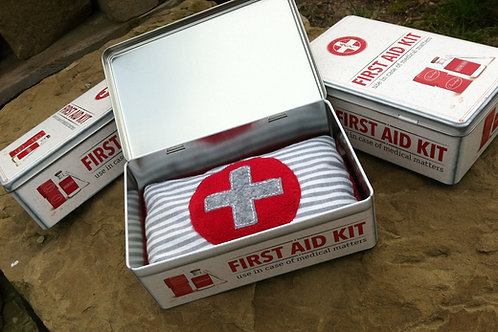 FIRST AID KIT Box + Erste Hilfe KIRSCHKERN KISSEN