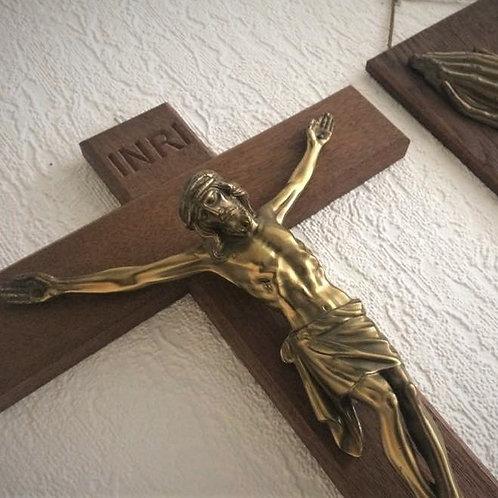 Altes Wandkreuz Holz Kruzifix Jesus Figur Messing 40 x 25 cm