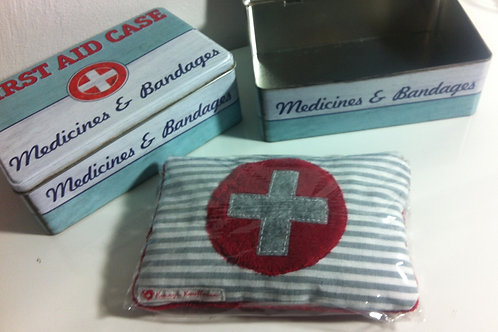 "KIRSCHKERNKISSEN & BOX ""First Aid"""