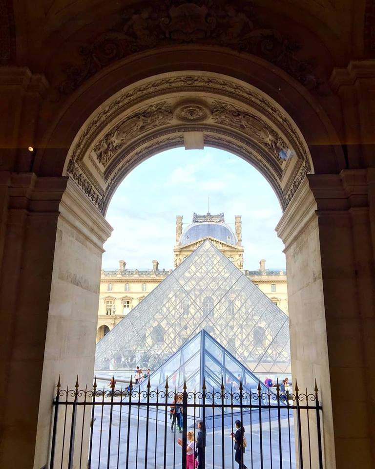 Pirâmide do Louvre - Destino France - Guia brasileiro em Paris