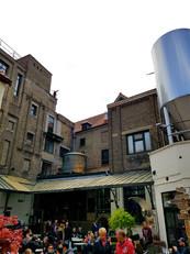 Cervejaria imperdível em Bruges - Halve Maan