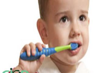 Ele não deixa escovar os dentes!