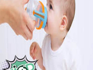 Usando fórmula infantil, tenho que dar água para meu filho?