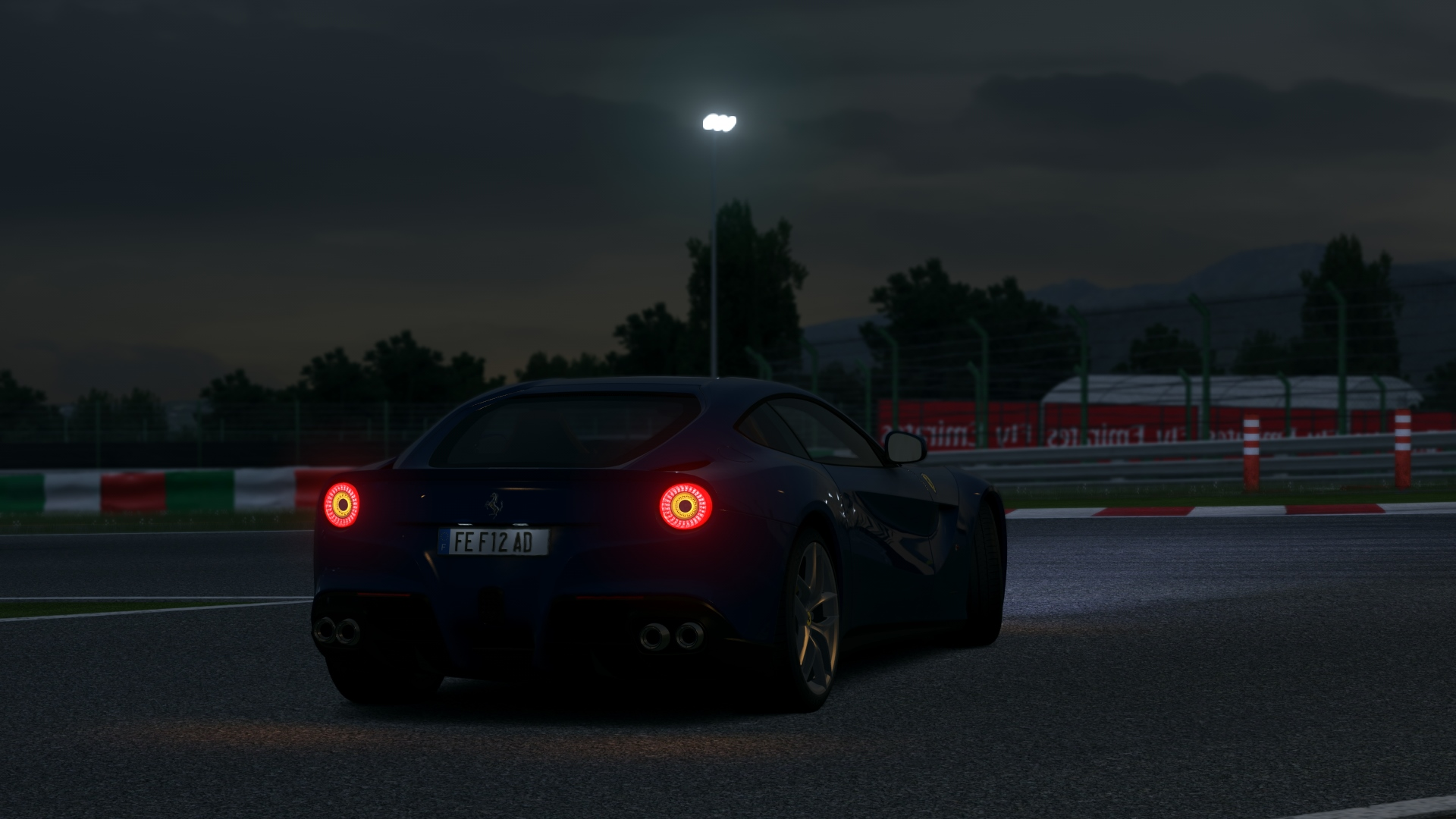 Screenshot_ad_ferrari_f12_berlinetta_suz