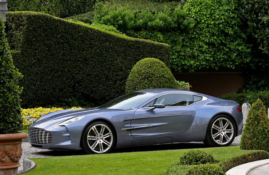 blue-aston_martin-one-77-09.jpg