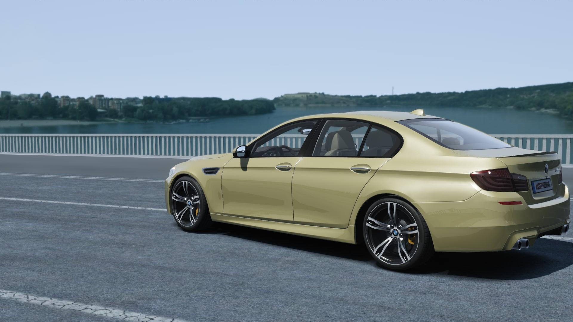 BMW M5 F10 at Miseluk.jpg
