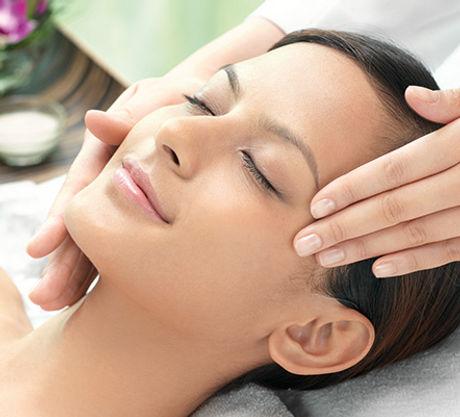 relaxing_facial_treatment_img.jpg