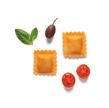 Raviolis de tomate, albahaca y aceitunas