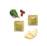 Raviolis d'espinacs, poma i panses