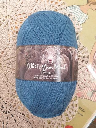White Gum Wool 8 Ply Merino - Fairy Wren