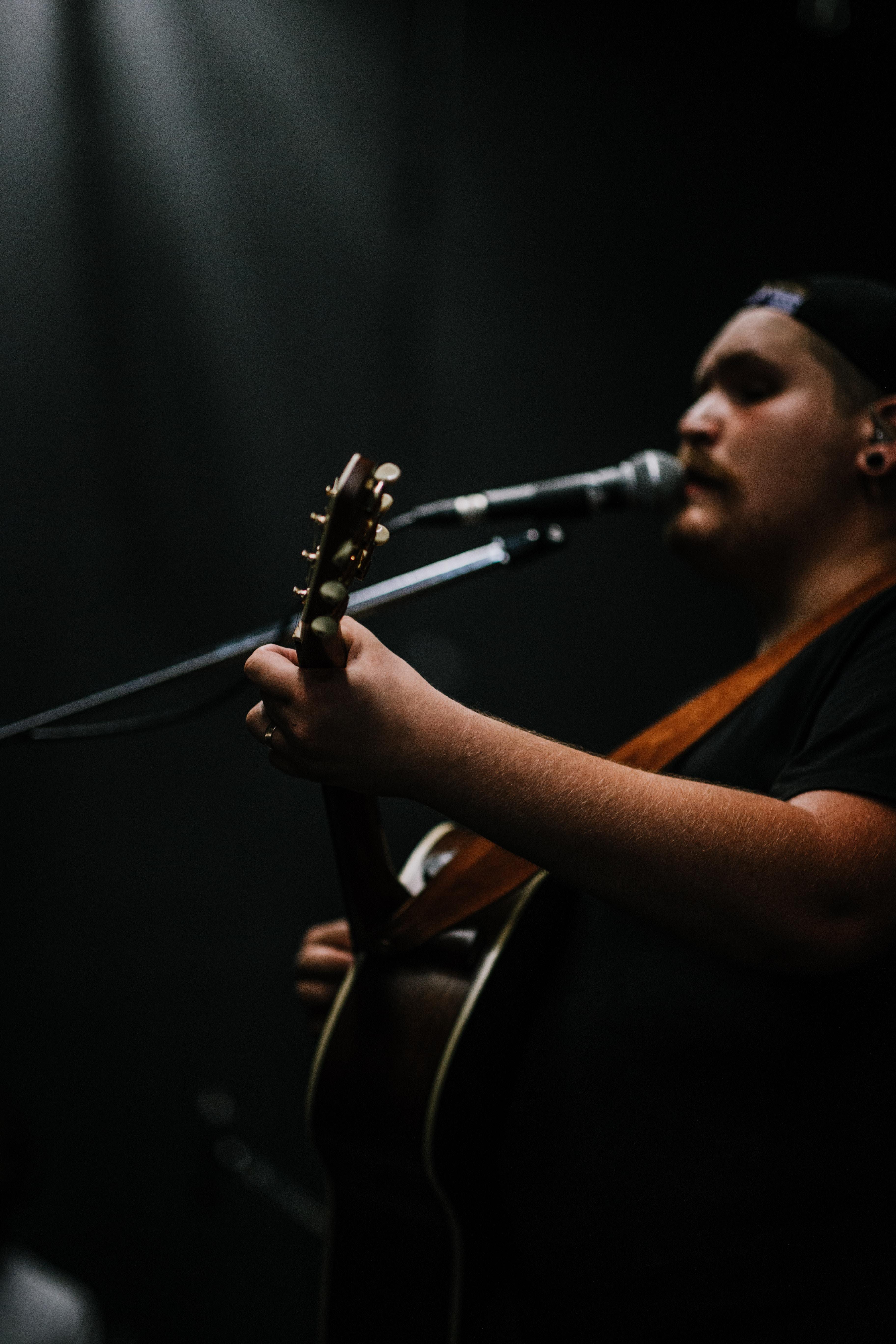 max singing 2017