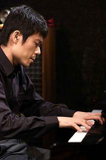 近藤有輝(ピアノ) (1).jpg