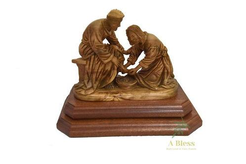 Olive Wood Jesus Washing Feet