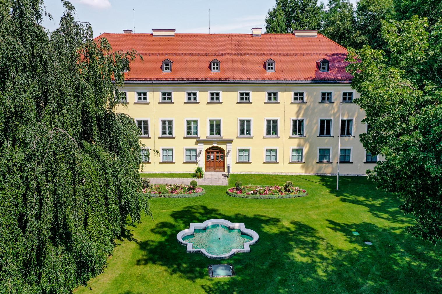 Schloss - Rathaus Ismaning