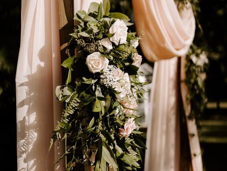 The Truth Behind the Cost of Wedding Flowers