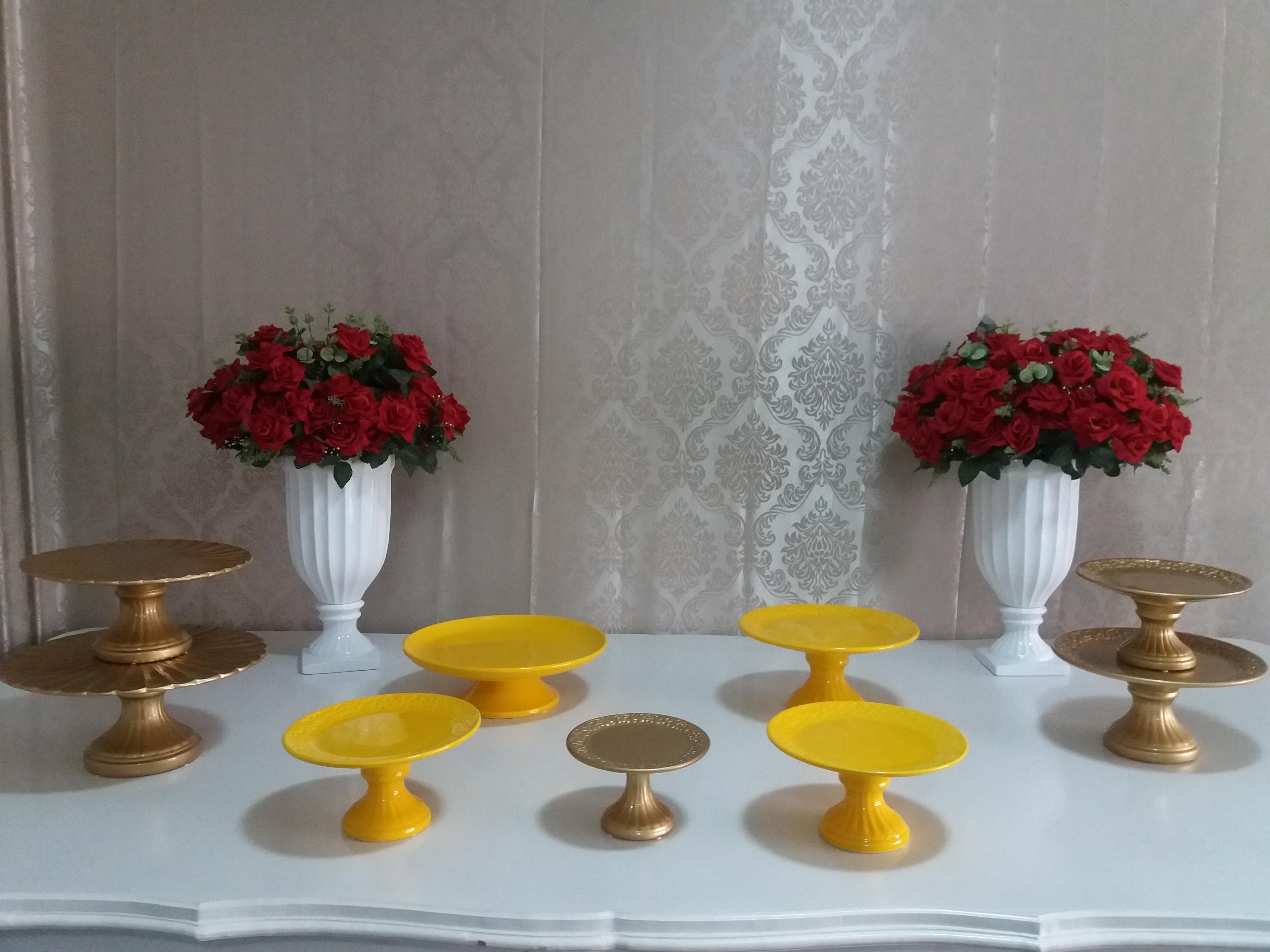 Porcelanas - Dourada -amarela -branca