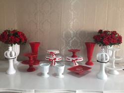 Porcelanas branca e vermelho