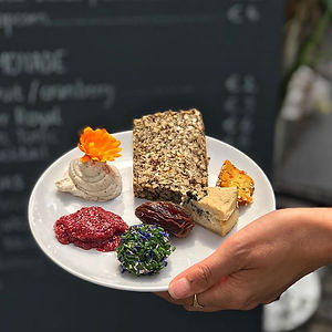 Plant-based cheese plate _BAAS pop-up!