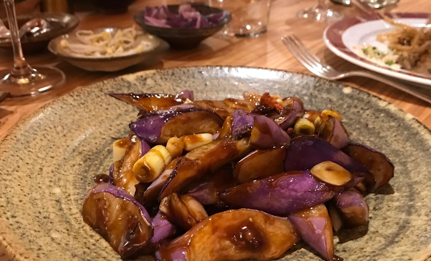 Melanzane Hong Shao (wok di melanzane con peperoncini e cipollotto)