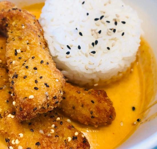 Curry massaman con con riso al vapore, g
