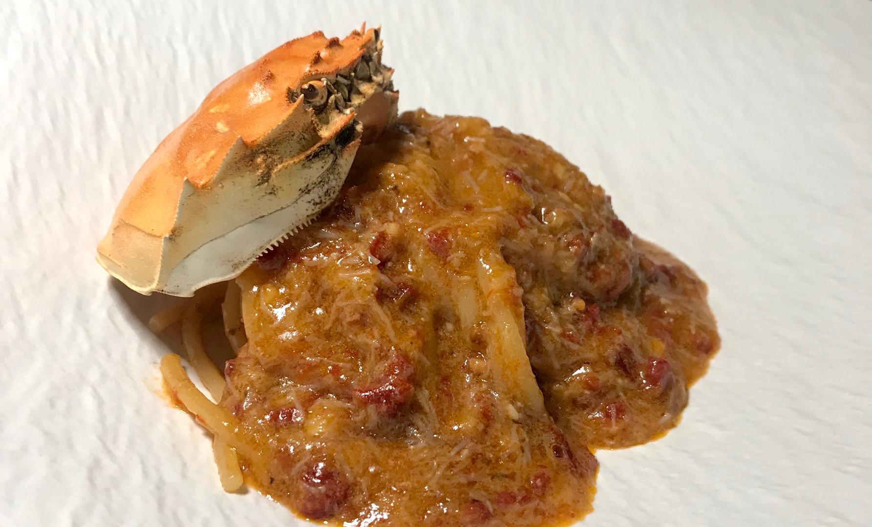 Spaghetti granchio (pomodorini confit, zenzero al profumo di Shao Xin)