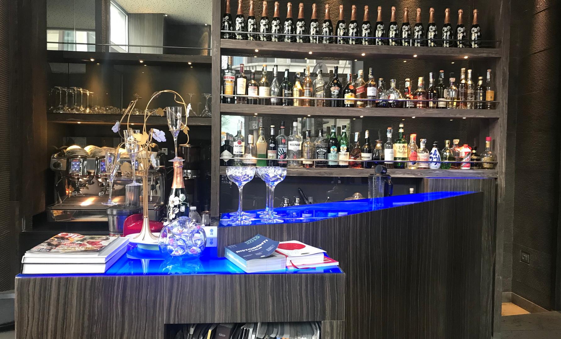 Il bar all'entrata