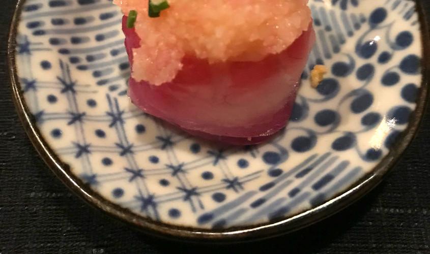 Gunkan: branzino marinato e Kamaboko rosa spicy