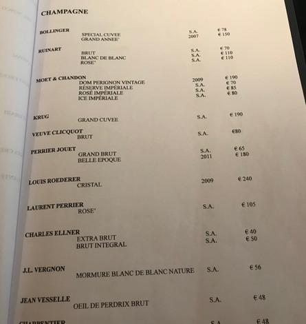 Bollicine al bicchiere (tanti vini, una bellissima selezione... ma solo 4 sake!)