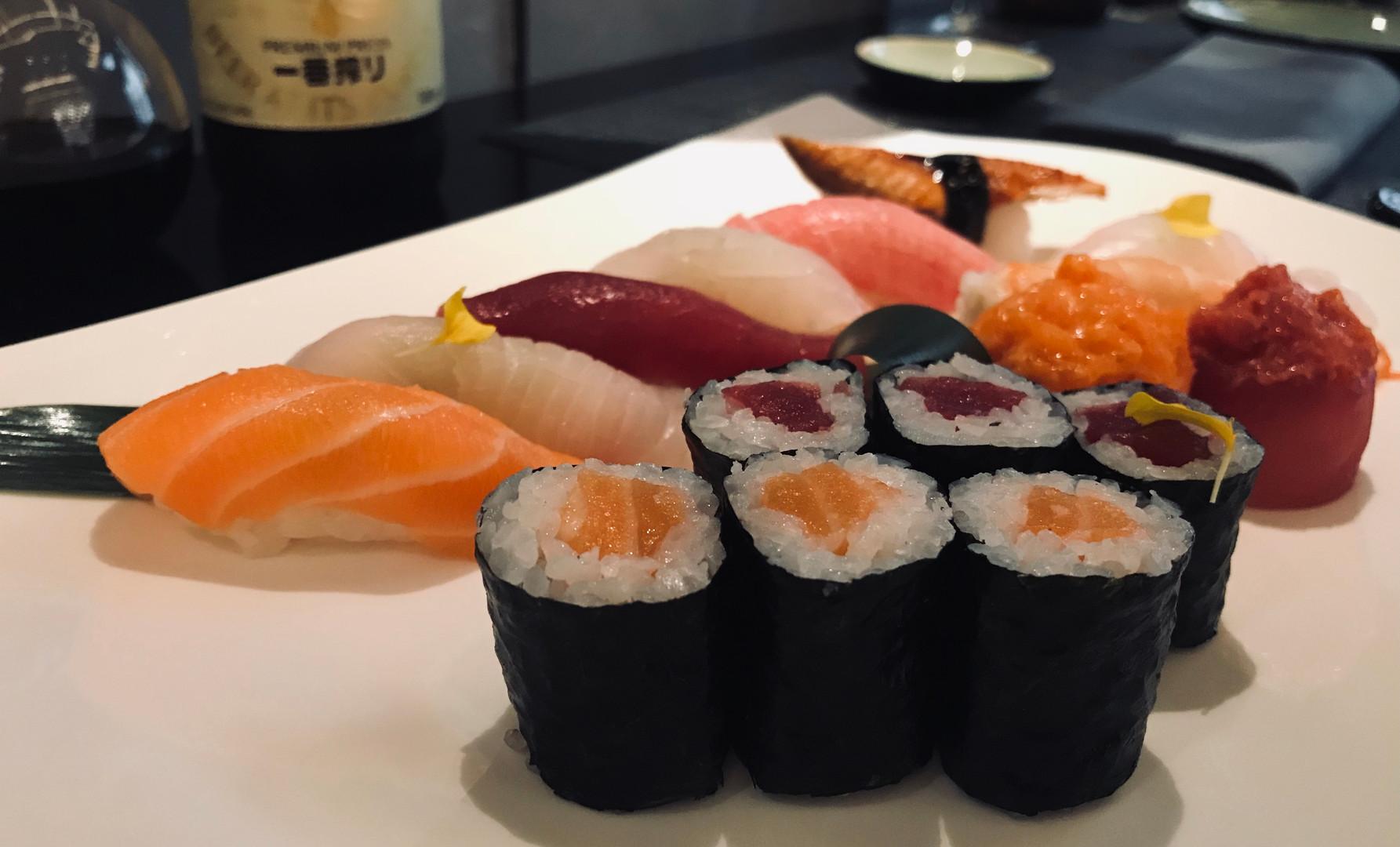 Sushi Special (8 nigiri, 6 hosomaki, 2 gunkan)